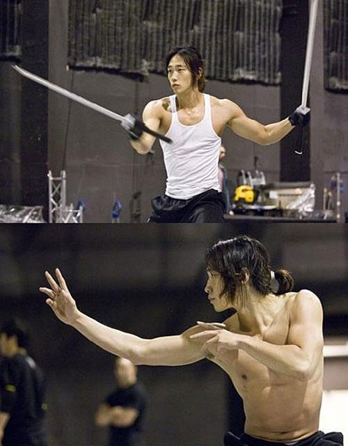 Rain rehearsing for Ninja Assassin