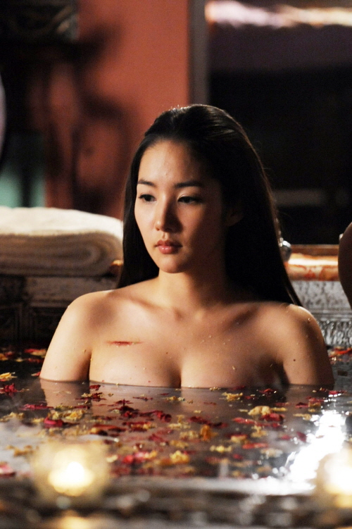Park Min Young Revealing Bath Scene Attracts Eyeballs